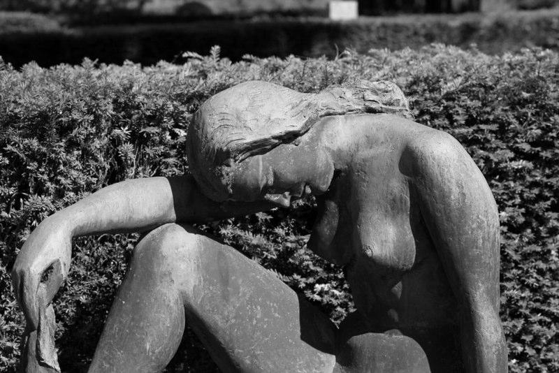 Statue femme BW